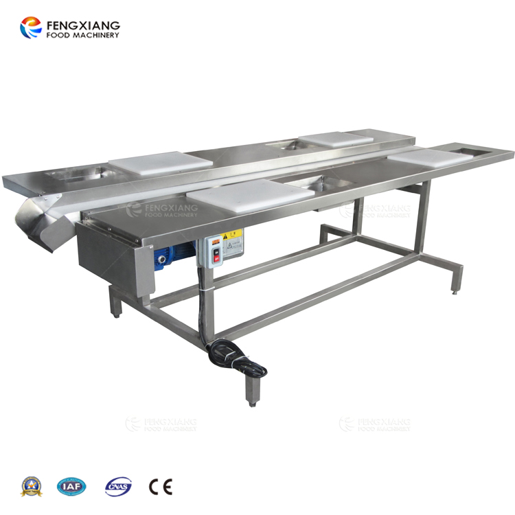 Four station selection conveyor
