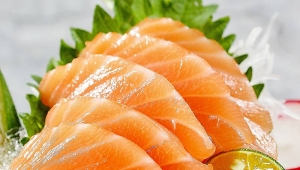 Is salmon infected with new coronavirus? How should restaurant companies handle salmon in a hygienic manner?